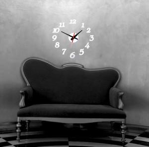 laikrodis-baltas